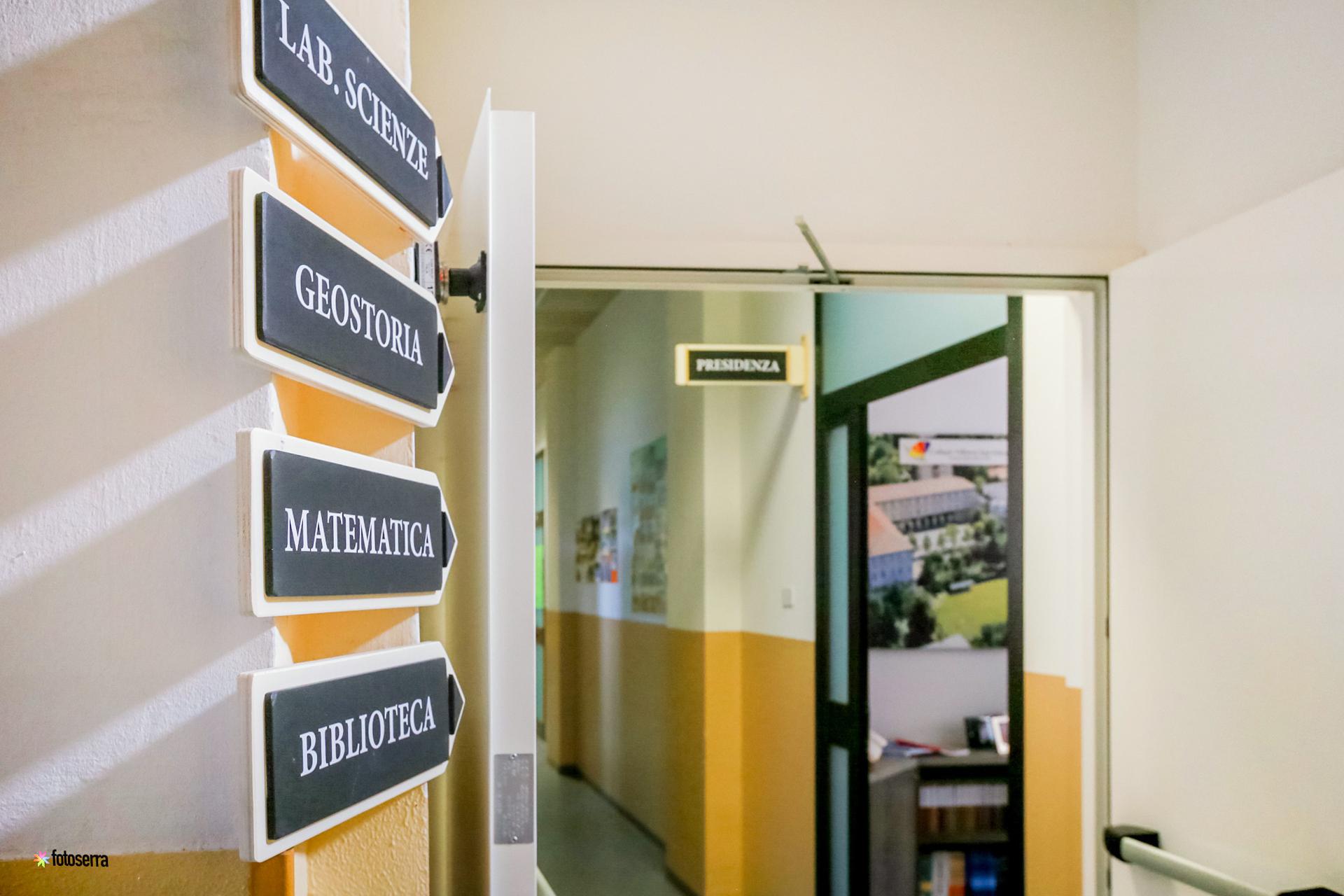 La sede di Merate del Collegio Villoresi: i corridoi interni